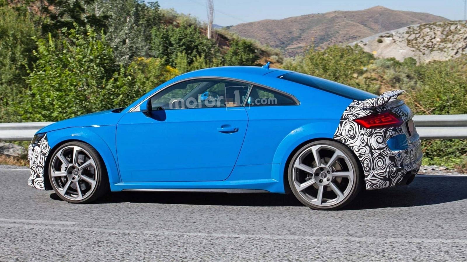 آئودی TT RS - اجاره خودرو